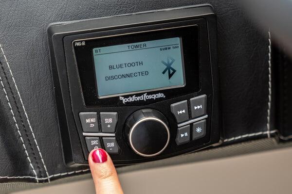 Rockford Fosgate sound system in Varatti boat